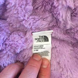 Girls/infants Northface Jacket (3-6 months).